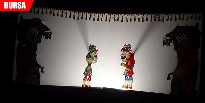 Karagöz İngilizce sahnede