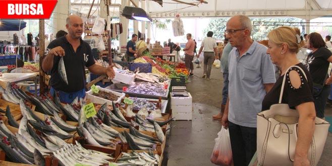 Tezgahlar balıkla doldu