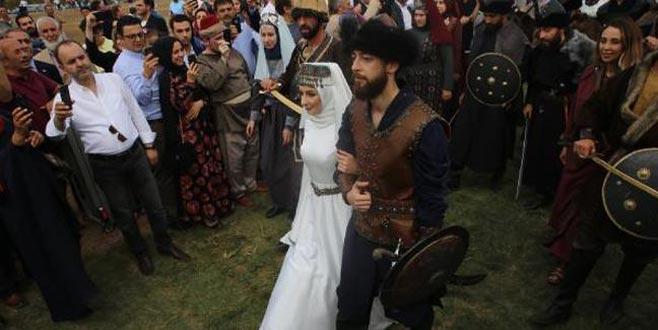 Eski bakanın oğluna 'Kayı düğünü'