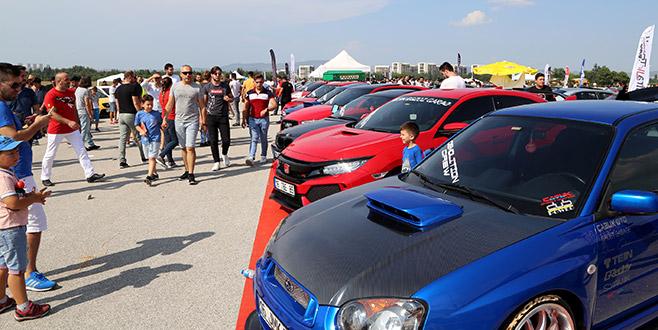 Modifiye araç tutkunları Bursa'da buluştu