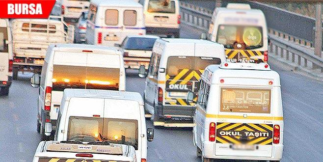 Yüzlerce okul servisi trafikten men edildi