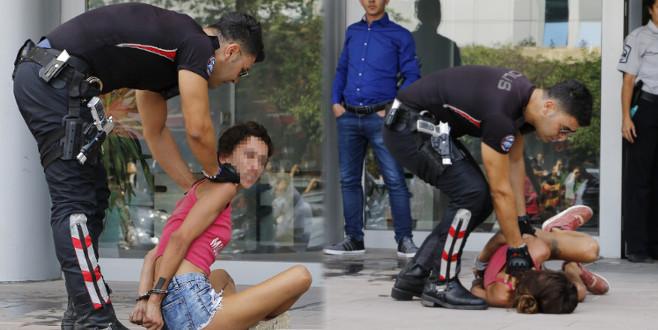 ATM ile kavgaya tutuştu! Araya polis girdi