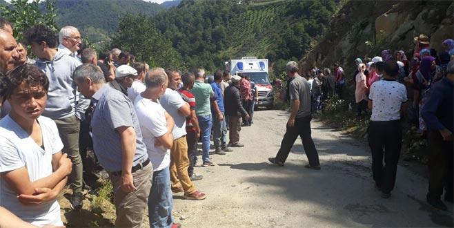 Minibüs uçuruma yuvarlandı: 5 ölü
