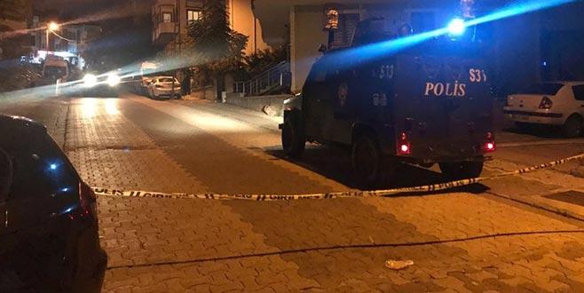 Ataşehir'de sokakta 2 el bombası bulundu