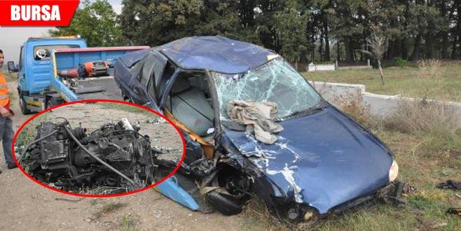 Kaza yapan otomobilin motoru fırladı: Yaralılar var