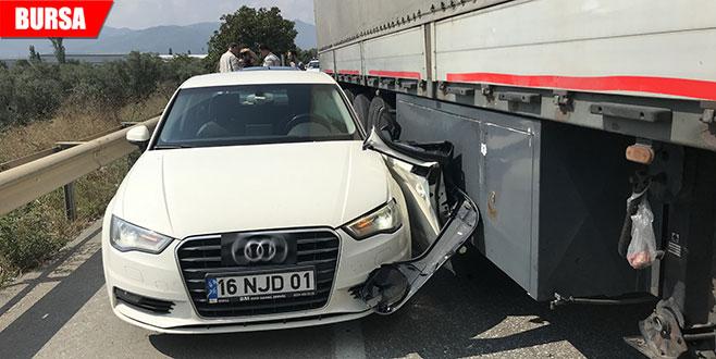 Kemal Kılıçdaroğlu'nun koruma ekibinin aracına TIR çarptı