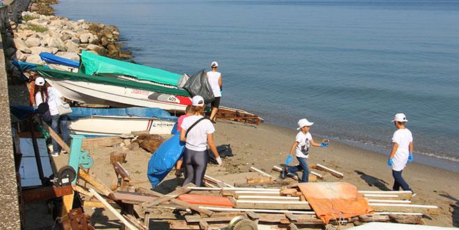Bursa sahilleri gelecek için temizlendi