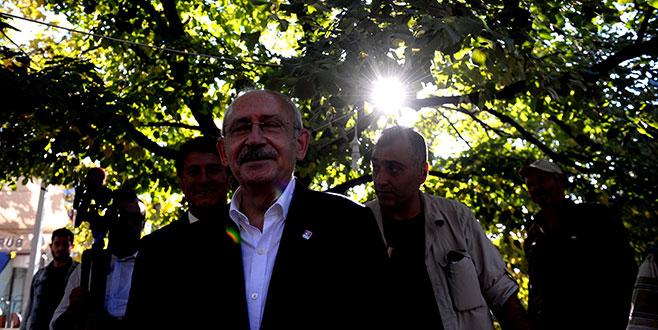 Kılıçdaroğlu'ndan Celal Bayar'ın mezarına ziyaret