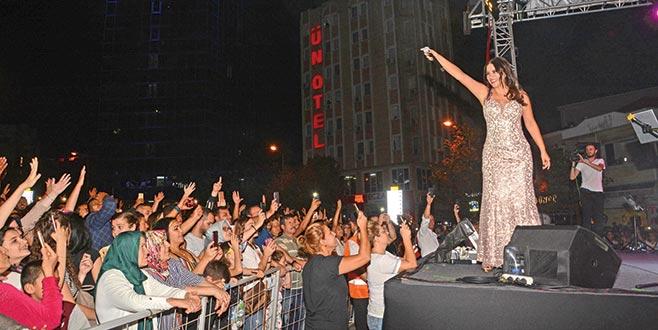 Karacabey'de Zara rüzgarı