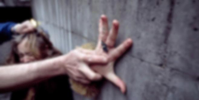 Eski manken şiddetin fotoğrafını paylaştı! Çocuğu için yardım istedi
