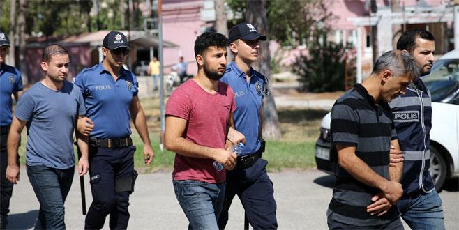 12 asker FETÖ'den tutuklandı