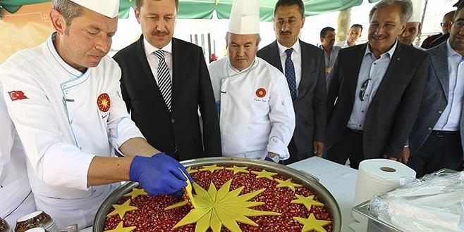 Cumhurbaşkanı Erdoğan'ın talimatıyla 13 ilde aşure ikram edildi
