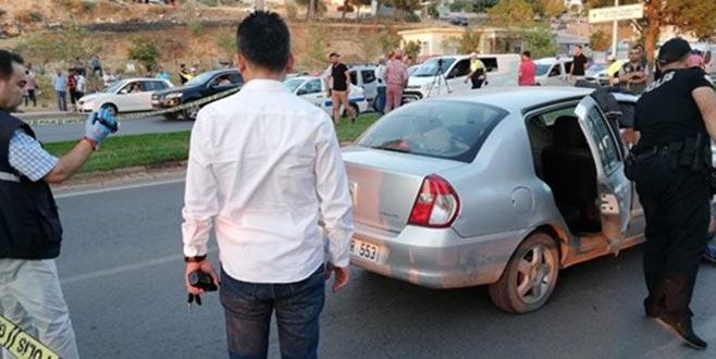 Otomobilde infaz! Çocuklarının gözü önünde öldürüldü