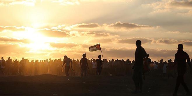İsrail savaş uçaklarından Filistinli göstericilere saldırı