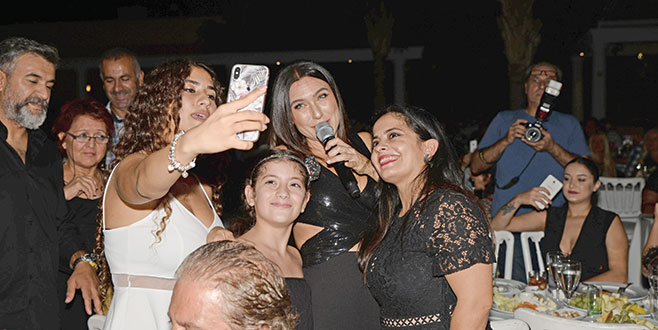 Şevval'den selfie rekoru