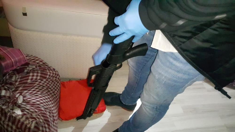 Bursa'daki uyuşturucu operasyonunda 30 bin liralık silah detayı