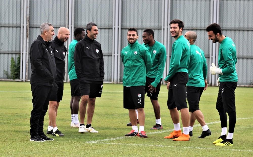 Samet Aybaba: Ligin en iyi futbol oynayan takımıyız