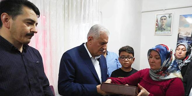 TBMM Başkanı Binali Yıldırım'dan şehit ailesine ziyaret