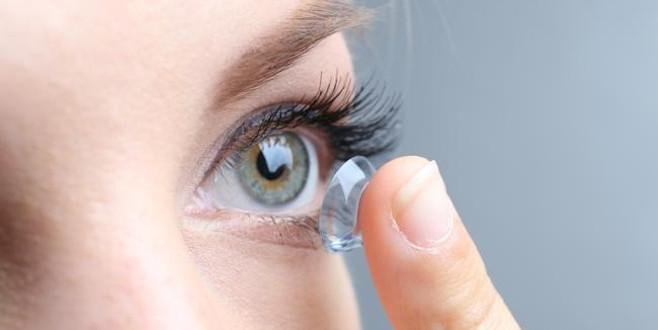 Kontakt lens kullananların %80'i risk altında