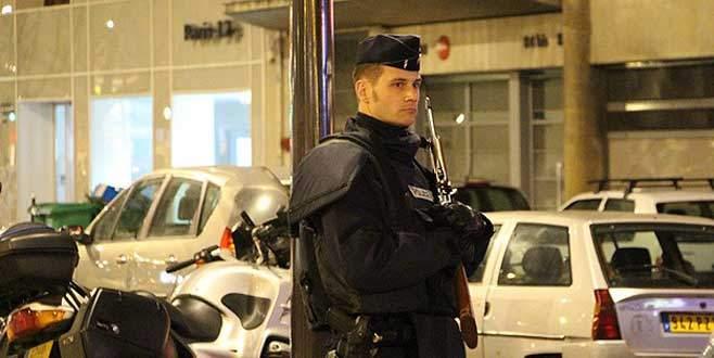 Paris'teki saldırılara 4 tutuklama