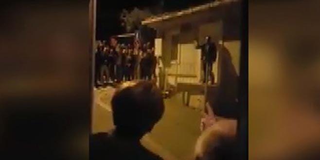 Meral Akşener'in evinin önünde Bahçeli sloganları