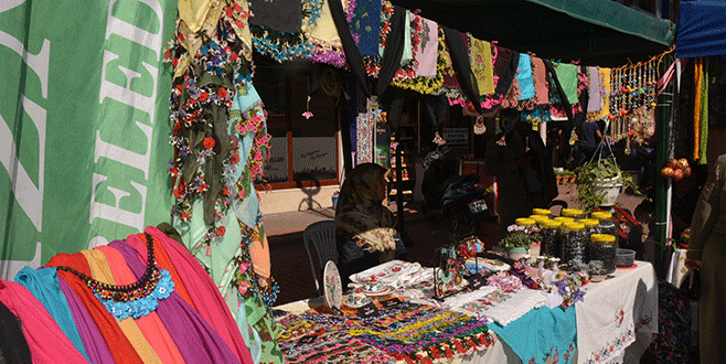 İznik Panayır'da el emeği ürünler