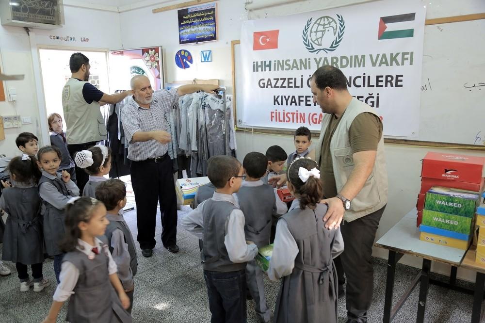 İnegöl'den Gazzeli 1260 öğrenciye yardım
