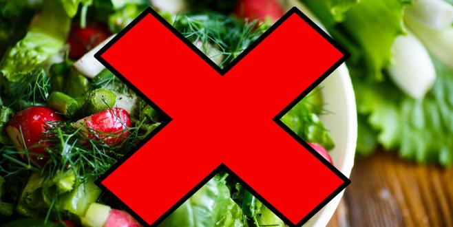 Dikkat! Salatayı bu şekilde yemek tehlike saçıyor