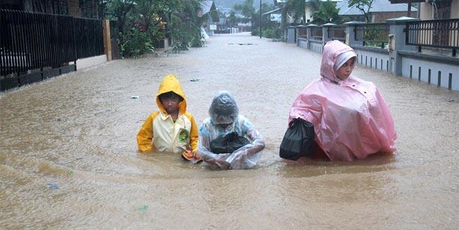 Endonezya'da yine felaket