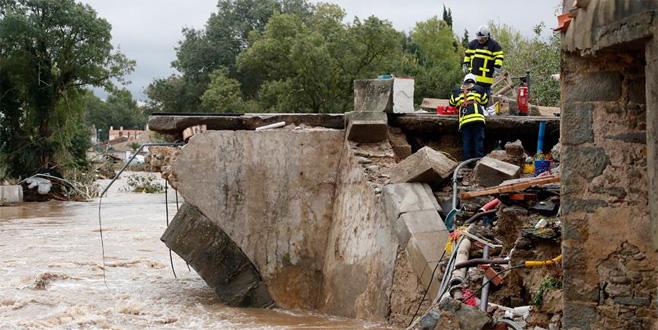 Fransa'da şiddetli yağışlar 13 can aldı