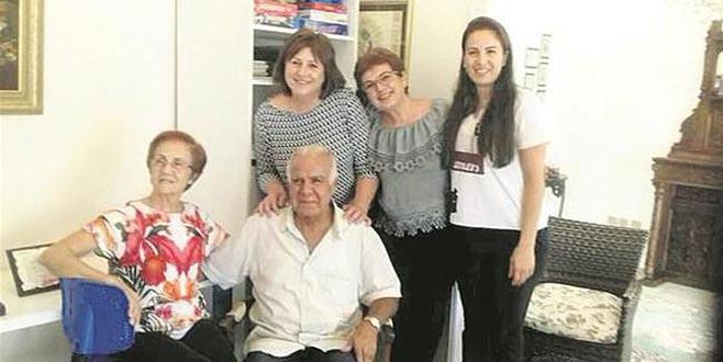 Rum kadın doktorlar kendilerini kurtaran Türk subayı 44 yıl sonra buldu