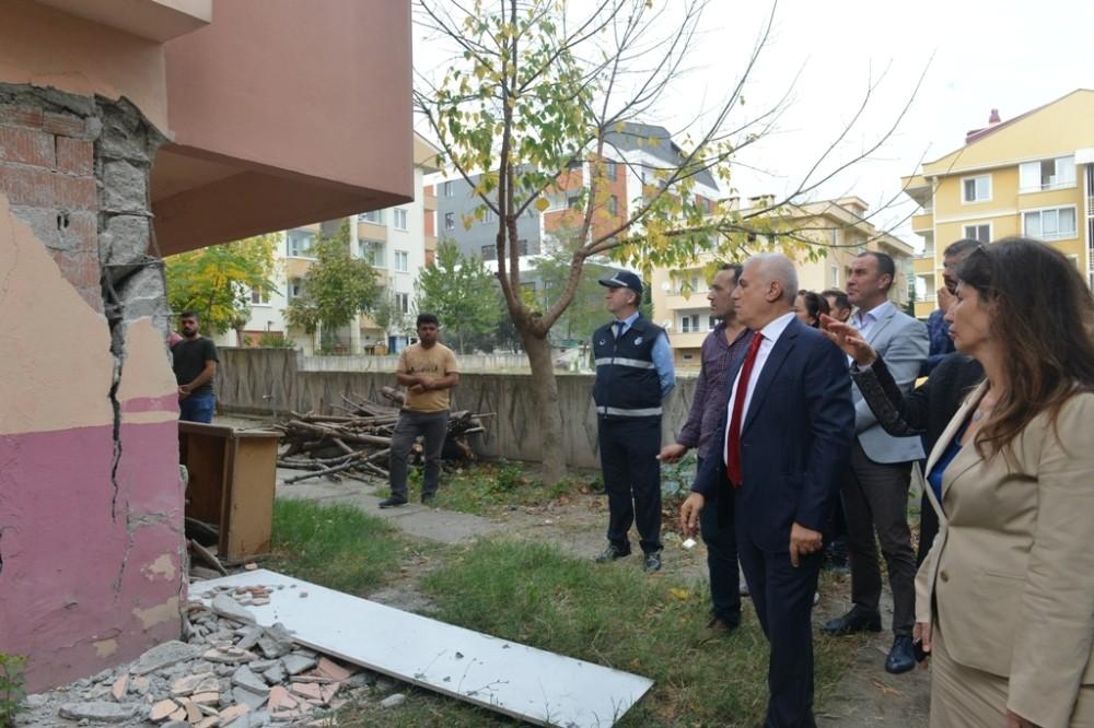 Başkan Bozbey: Bir an önce yıkılmalı