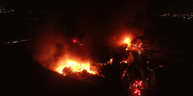Bursa'daki korkutan yangın havadan böyle görüntülendi