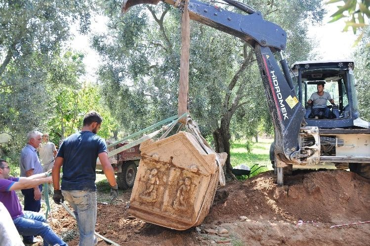 Kamulaştırılan tarlada 3. lahit için kazılar yeniden başladı