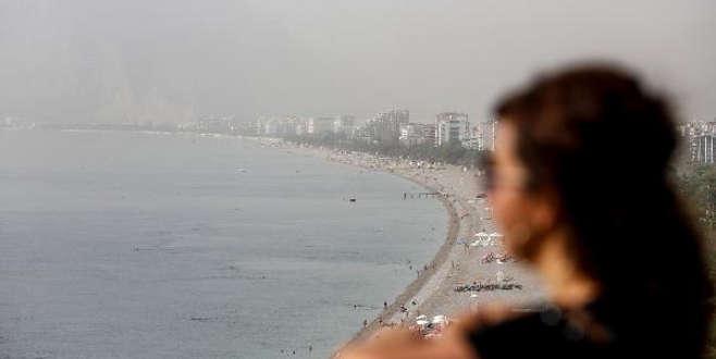 Turizm şehrini toz bulutu kapladı