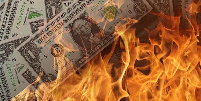 Krizi atlatmak için basmışlardı... 1 trilyon doları yakıyorlar