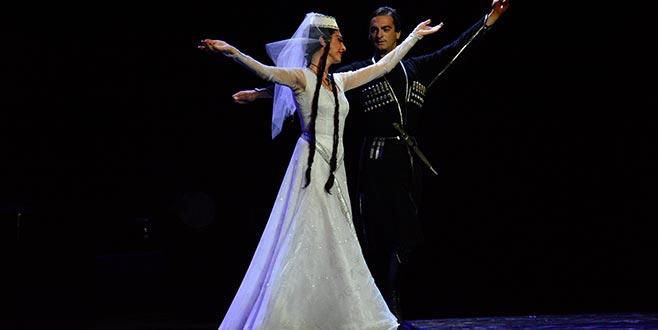 'Gürcistan Ulusal Balesi' Bursa'da sahne aldı