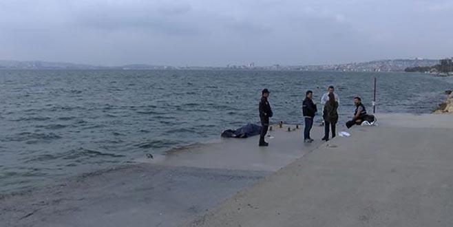Sörf yapmak için açıldı, görünce hemen polise haber verdi
