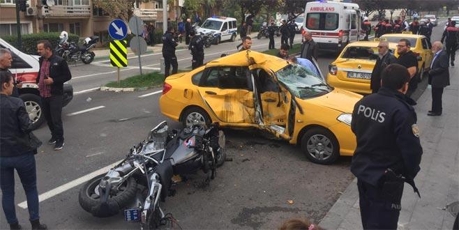 Bursa'da yunus ekibi kaza yaptı: Yaralılar var...