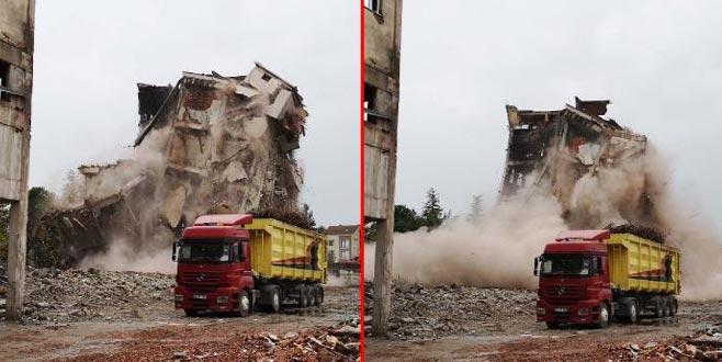 İnegöl'ün ilk fabrika binası böyle yıkıldı