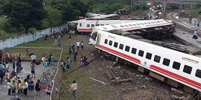 Tayvan'da tren faciası: 17 ölü