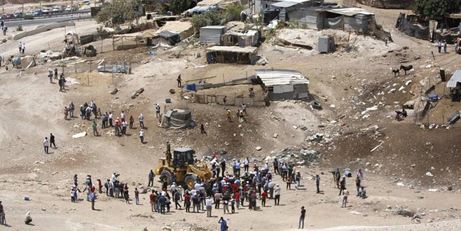 İsrail yıkımı askıya aldı
