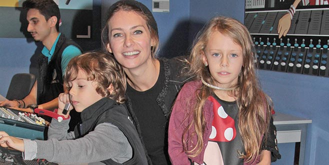 Çocuklarıyla başbaşa