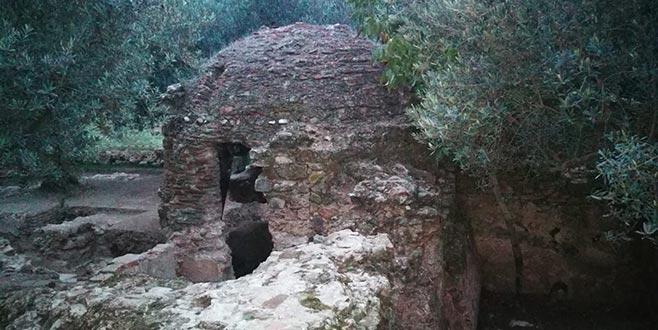 Tarihi hamam gün yüzüne çıkarıldı