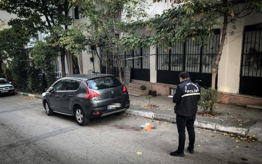 Bursa'da eski eşi tarafından bıçaklanan kadın öldü