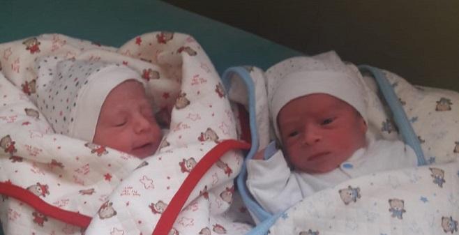 40 günlük ikizlerden birisi öldü, diğeri yoğun bakımda