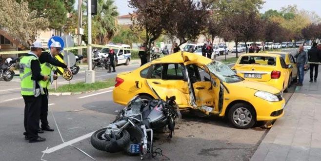 Bursa'da motosikletli polis timiyle taksi çarpışmıştı! Acı haber geldi...