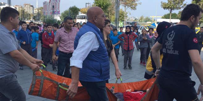 AVM'de yürüyen merdiven kazası: 12 yaralı