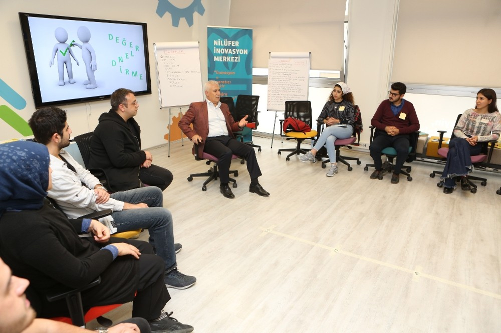 Bozbey: Gençler stratejik planlama süreçlerinde yer almalı