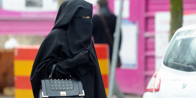 BM'den Fransa'ya burka yasağını kaldır çağrısı